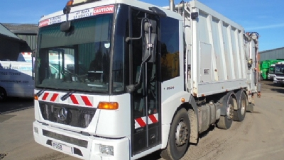 2008 YEAR MERCEDES ECONIC REFUSE VEHICLE WITH 70/30 SPLIT FAUN BODY AND TERBERG TRIPLE LIFT