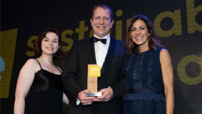 Pictured: Compere Julia Bradbury (right) and edie's Sarah George (left) present SIG with the award