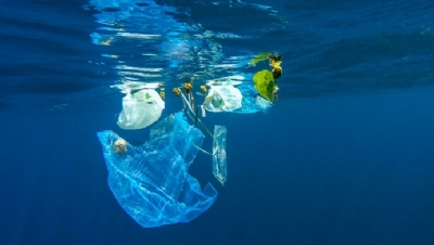 Ocean waste is being tackled on both an international and national level, both through national policies and voluntary agreements