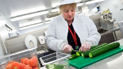 NHS vows to halve single-use plastic from catering