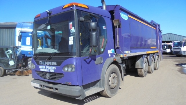 FOR SALE: 2010 YEAR 32T 8X4 DENNIS REFUSE VEHICLE WITH OLYMPUS BODY AND TERBERG LIFT